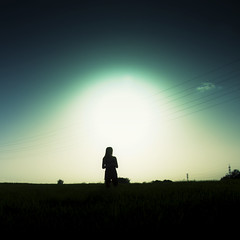 Explore - Shadow Sun (Luis Hernandez - D2k6.es) Tags: light summer portrait sky sun color luz sol canon square atardecer negro colores verano contraste campo angular gurl calor cerdanyola 17mm 50d preverano dwcffsquare