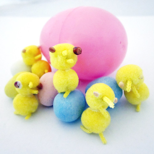 How to Make Pompom Peeps 0185