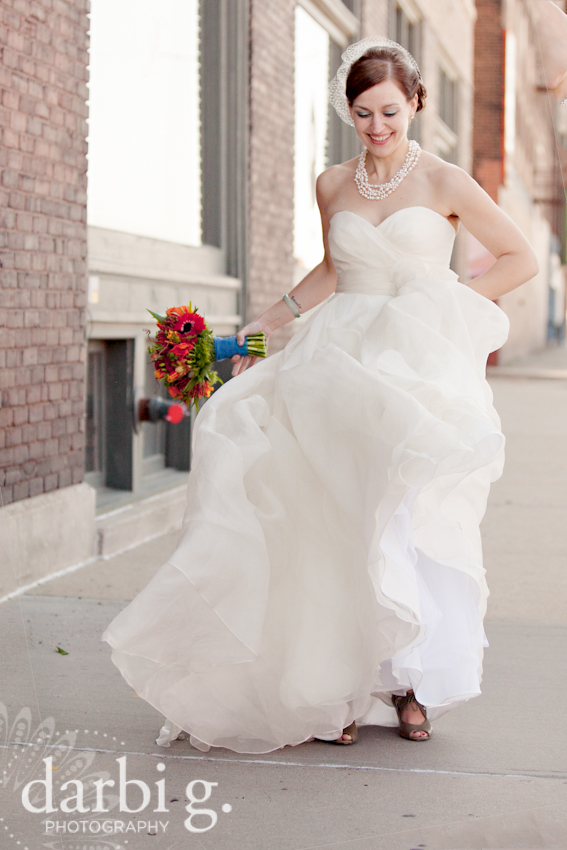 Darbi G Photography-Kansas city wedding photographer-hobbs building-DarbiGPhotography-041611-CaitJeff-w-2-197