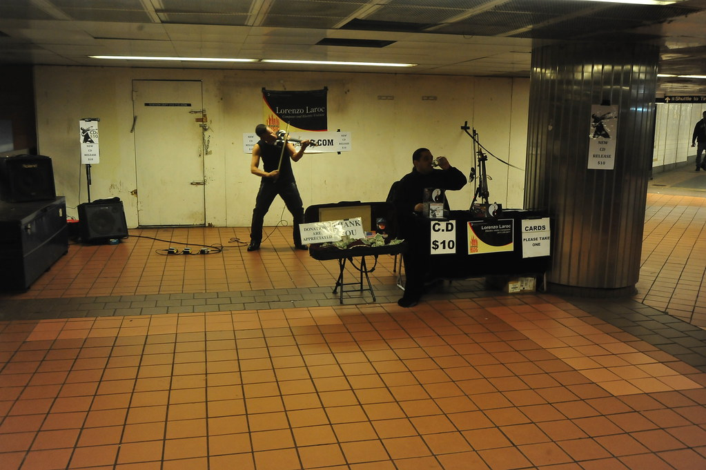 SUBWAY MUSIC:  ELECTRIC VIOLIN  /   Lorenzo Laroc        -    Times Square Subway,  Manhattan NYC   -    04/20/11
