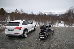 Audi Q5 och snöskoter