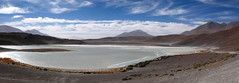 Ruta Salar de Uyuni (Buscando al Ratn Viajero) Tags: blue sky lake azul clouds volcano desert bolivia cielo nubes desierto laguna uyuni sanpedrodeatacama volcan salardeuyuni desiertodeatacama atacamadesert