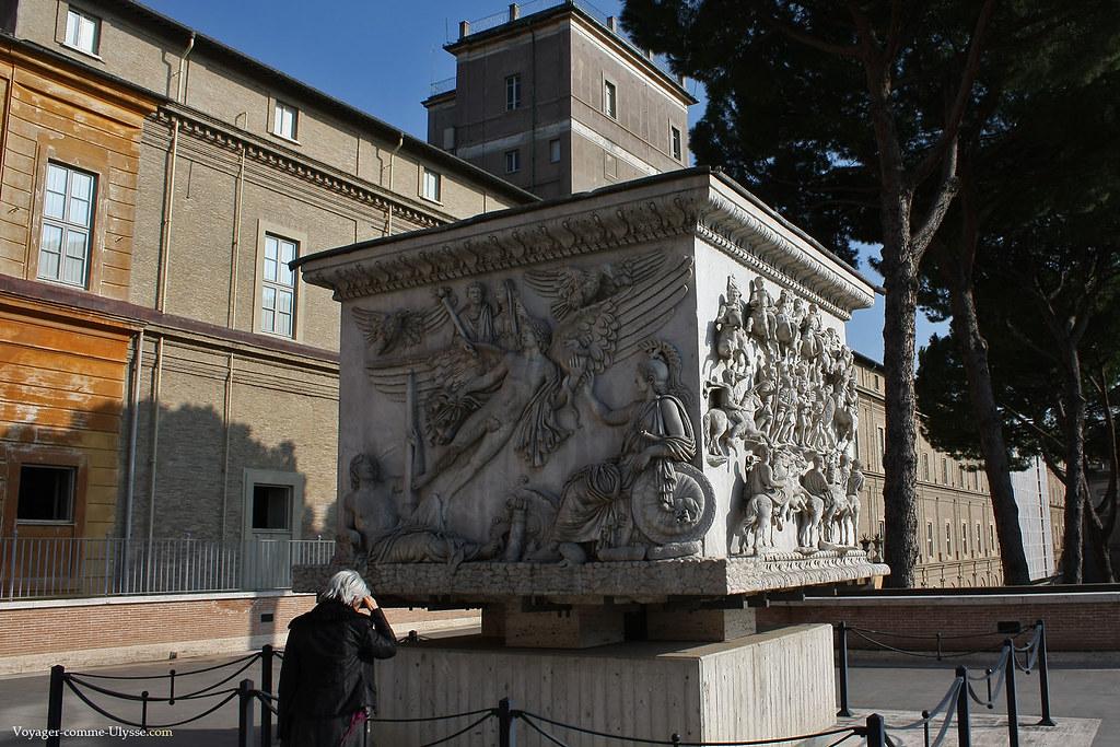 Bas reliefs romains