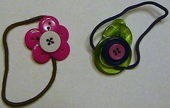 IC18 - button flower pony tail holders