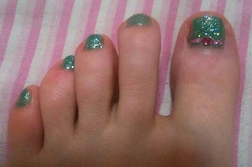 Turquoise glitter and stone pedi by KitaRei