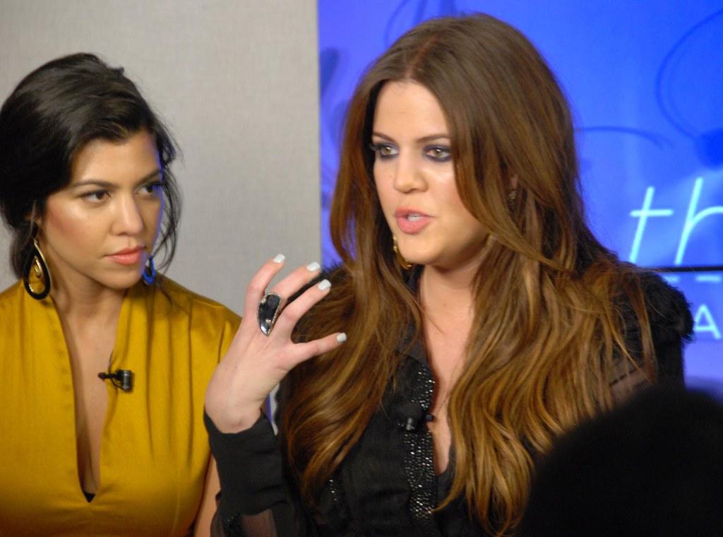 Khloe and Kim Kardasian Talk Fashion on Yahoo!'s The Thread