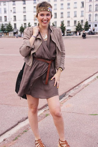 robe taupe recylee