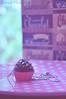 Docin (Laarices Fofagrafia) Tags: vintage cupcake alicedisse
