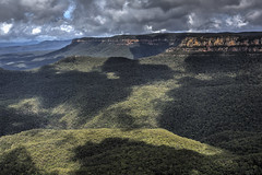 Blue Mountains at Echo Point Katoomba (2geephotography) Tags: australia bluemountains threesisters katoomba echopoint hdrphotography canon5dmkiii photomatix5 2geephotography