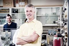 Le professeur Daniel Guay, du Centre Énergie Matériaux Télécommunications
