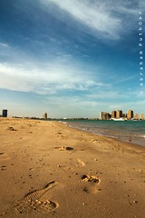 footprints in the sand! (puthoOr photOgraphy) Tags: sky crossprocess footprints dk doha lightroom westbay d90 adobelightroom nikond90 lightroom3 tokinaaf1116mm amazingqatar tokina11 puthoor gettyimagehq
