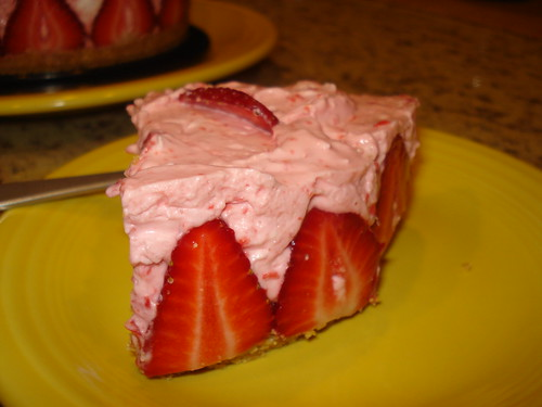 chilled cheesecake strawberries