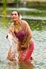 Performance over the Water V (Beum Gallery) Tags: show umbrella thailand femme performance thaïlande parasol histoire ayuthaya legend floatingmarket homme parapluie ayutthaya spectacle acteur légende actrice acteurs ประเทศไทย หญิง ไทย ตลาดน้ำ พระนครศรีอยุธยา marchéflottant ร่ม อยุธยา ชาย จระเข้ นักแสดง classicalshow ชาลวัน ไกรทอง