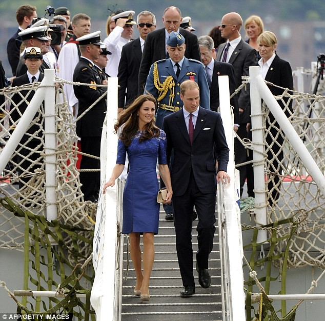 Kate steps off warship in another stunning dress as couple arrive in Quebec   1