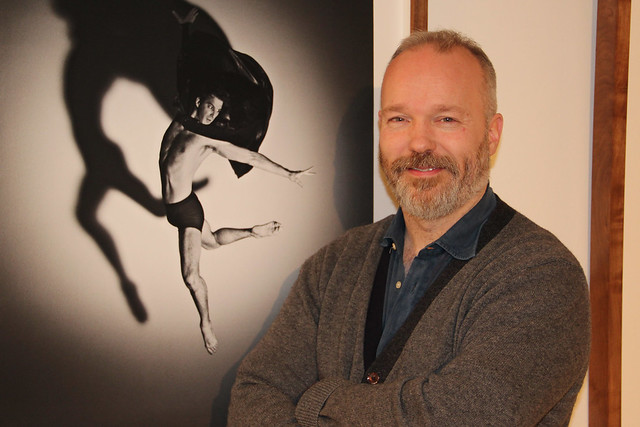 Photographer Rick Guest at his exhibition of photos featuring Royal Ballet dancers © ROH/Chris Shipman, 2013