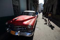 La Habana 1 (gsamie) Tags: street old city red people woman car canon kid downtown child havana cuba wideangle explore american t3i lahabana 600d explored gsamie guillaumesamie