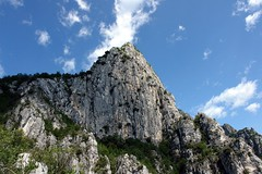 Cima Capi (WeatherMaker) Tags: italien italy cliff italia day hiking peak trentino fausto lagodigarda gardasee attrezzato susatti viaferratasentiero pwpartlycloudy