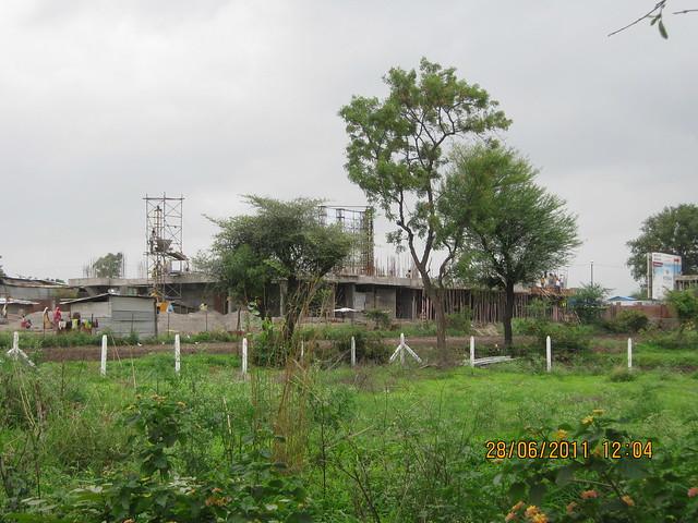 A Building of Siddhi Nisarg - 1 BHK 2 BHK Flats - near Hotel Master Cook - Bhumkar Vasti - Wakad - Hinjewadi Road - Pune 411 057