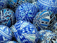 Painted eggs (Frans.Sellies) Tags: easter painted egg folklore romania eggs bucharest bukarest eastereggs easteregg boekarest paintedeggs paaseieren p1320518