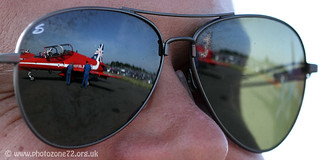 9190 Sunglasses reflection