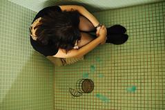 L'Oiseau bleu_Edo-Tokyo Open Air Architectural Museum58 (ajari) Tags: portrait birdcage japan tokyo nikon human 日本 東京 naki 人物 d300 江戸東京たてもの園 sigma30mmf14exdchsm 子宝湯 青い鳥 edotokyoopenairarchitecturalmuseum 鳥かご loiseaubleu