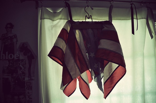 flag skirt_effected