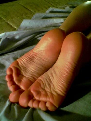 Resultado de imagen de fagus177 small wrinkled soles on bed