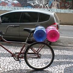 Flickr (Matatias 2) Tags: water bicycle gua flickr bicicleta curitiba galo gales