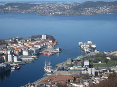 Vgen and Bergenhus (Bernt Rostad) Tags: norway norge bergen flyen flien flyfjellet