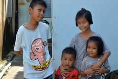 brothers and sisters (the foreign photographer - ) Tags: oct22016nikon two brothers sisters khlong bang bua portraits bangkhen bangkok thailand nikon d3299