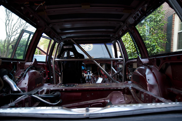 Roll cage from the rear