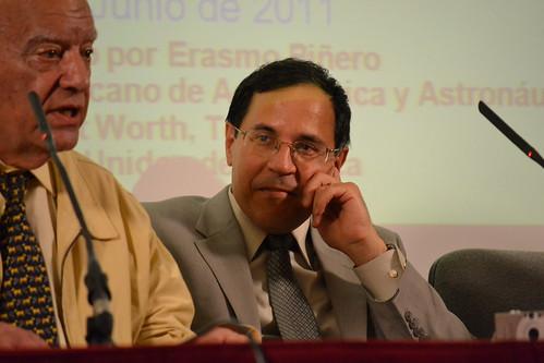 Erasmo Piñero observa a Domingo Escudero el 21 de junio de 2011