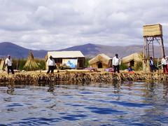 Ilhas Flutuantes dos Uros (Célia Cerqueira) Tags: peru uros titicaca totora lago ilha puno flutuante