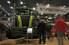 TECHAGRO 2012 CLAAS Xerion 5000 (Lukas Dynasty Kral) Tags: new tractor john technology year 9 fair case international lukas mf 5000 tractors rt ferguson challenger deere dynasty quantum agricultural 724 2012 ih rubin massey 950 fendt vario claas zetor axion solitair 939 85f 9510 7618 7624 8690 kral xerion lemken techagro dyna6 dynastyphotography