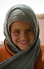 Awesome smile (realsandro) Tags: portrait girl canon child petra jordan ritratto bambina giordania