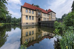 Moated castle (kiekmal) Tags: reflection architecture germany architektur nrw ruhrgebiet spiegelung wasserschloss strnkede moatedcastle defished tokinaaf1017mmf3545 atx107afdx