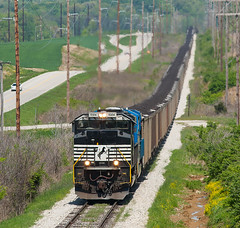 NS 1024 EVWR NDN1 West Franklin IN 04 May 2014a (Train Chaser) Tags: ns norfolksouthern sd70ace evansvillewestern ns1024 evwrndn1