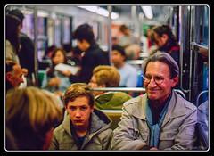 """""""Un billet le matin, un billet le soir et je lirais les visages."""" (Maestr!0_0!) Tags: street urban paris film canon metro candid f1 scan epson rue couleur argentique negatif argentic v700"""