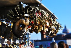 Venezia. (TRUDI.) Tags: lighting city carnival venice light sunset urban italy sun sunlight colors closeup contrast sunrise vintage nikon italia cityscape colours dof mask emotion bokeh dramatic highcontrast masks disguise drama sunsetlight carnevale venezia trudi primopiano maschera urbanscape sunnyday maschere sigma70300 carnivalinvenice nikond3000 carnival2014 trudiphotography carnevale2014