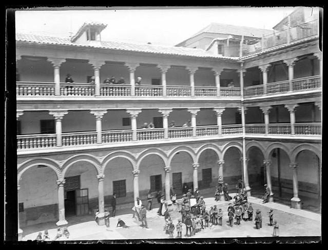 Convento de San Pedro Mártir a comienzos del siglo XX. Fotografía de Santiago Relanzón Almazán. Ayuntamiento de Toledo