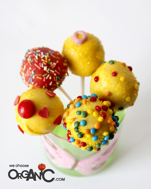 summer color, yellow cake pops - birthday