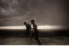 227 - rain run (Ata Foto Grup) Tags: boy sea cloud rain clouds escape havana cuba run malecon habana bos deniz çocuk bulut küba yağmur genç gençler koş kaçmak kaçak kapalıhava kaçkın