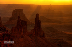 Washer Woman Bathing in Dawn's First Light (simonrim) Tags: utah canyonlands mesaarch washerwomanarch nikond90 sigma18250