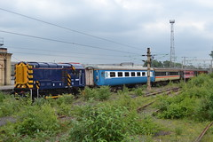 Riviera Trains Shunter 08507 & MK2 FO 3278 (Will Swain) Tags: west electric coast riviera lift cheshire diesel main north may trains db class line international crewe depot mk2 30th heavy fo 58 2014 shunter schenker 3278 wcml 58022 08507