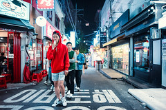 RGB Boys (Jon Siegel) Tags: nikon d810 sigma 24mm 14 sigma24mmf14art sigmaartlens man men boys street icecream candid people walking night evening alleyway korean seoul southkorea korea architecture fashion style koreanfashion