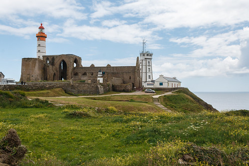 Phare, abbaye et sémaphore de la pointe Saint-Mathieu