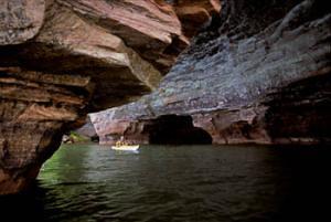 apostle sea cave