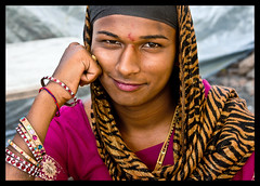The Hijras of Becharaji I (Walter Lustig) Tags: india masi april gujarat 2012 hijra hijras canoneos60d becharaji thehijrasofbecharaji