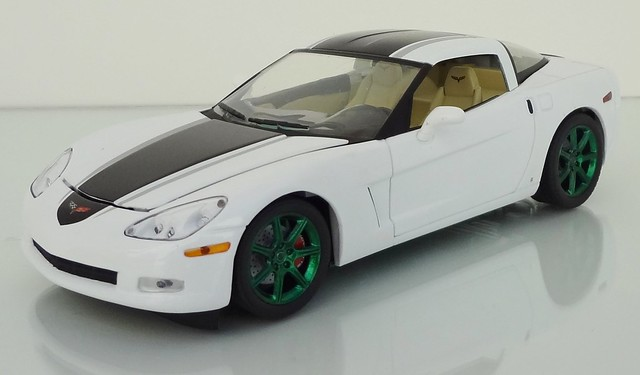 chevrolet corvette 2009 diecast 124scale