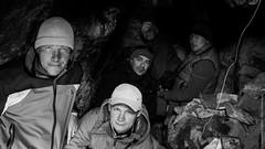 В пещере на озере Манасаровар в Тибете